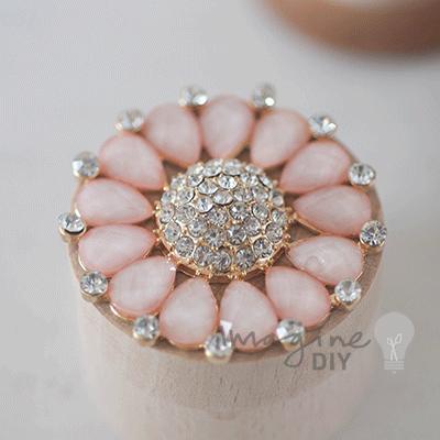CORDELIA BLUSH LARGE broška perla 1516